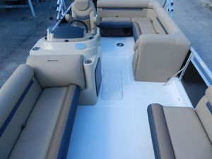 New Hurricane 196 Deck Boat For Sale