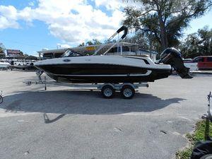 New Bayliner VR 6 Deck Boat For Sale