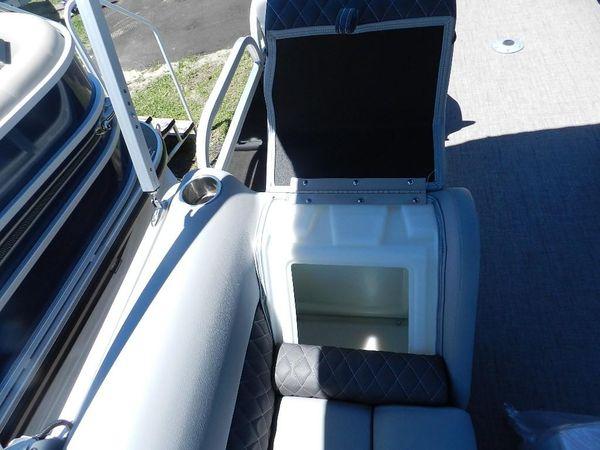 New Ranger Reata 200 Pontoon Boat For Sale