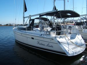 Used Marlow-Hunter M-H 40 Racer and Cruiser Sailboat For Sale