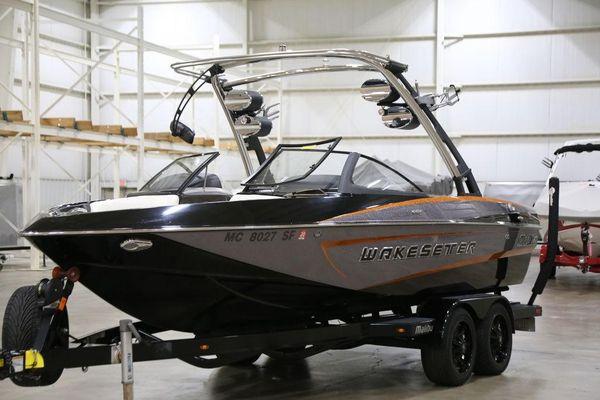 Used Malibu Wakesetter 21 VLX Bowrider Boat For Sale