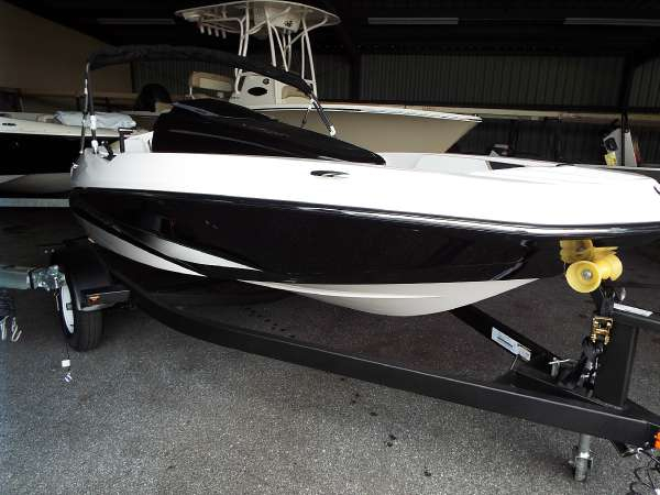 New Scarab 165 Ski and Wakeboard Boat For Sale