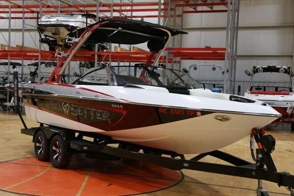 Used Malibu Wakesetter 21 VLX Cruiser Boat For Sale