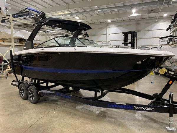 New Chaparral 25 Surf Bowrider Boat For Sale