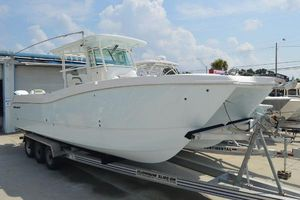 New World Cat 320 CC Center Console Fishing Boat For Sale