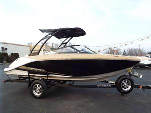 New Scarab 195 HO Ski and Wakeboard Boat For Sale