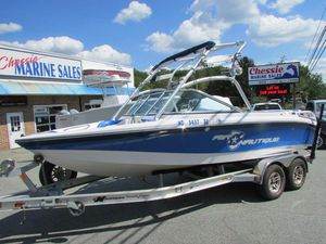 Used Correct Craft 210 Team Edition Ski and Wakeboard Boat For Sale