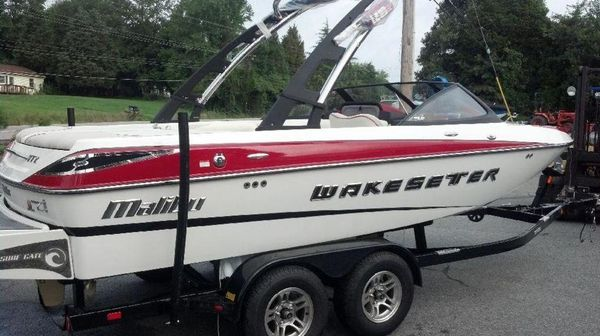 Used Malibu Wakesetter 20 VTX Ski and Wakeboard Boat For Sale