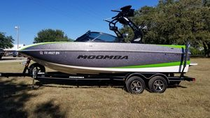 Used Moomba Craz Moomba Ski and Wakeboard Boat For Sale
