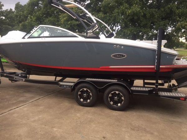 New Cobalt CS23 Surf Bowrider Boat For Sale