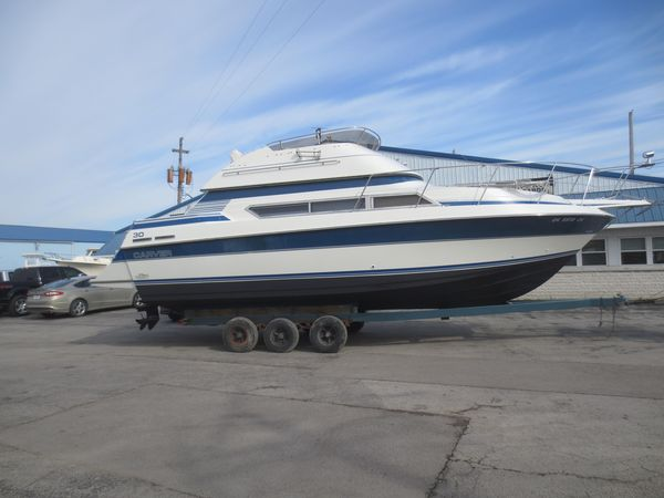 Used Carver 3067 Santego Flybridge Boat For Sale