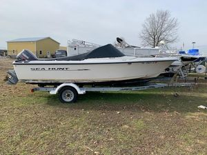 Used Sea Hunt 200 Escape Center Console Fishing Boat For Sale