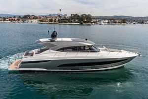 New Riviera 5400 SY Motor Yacht For Sale