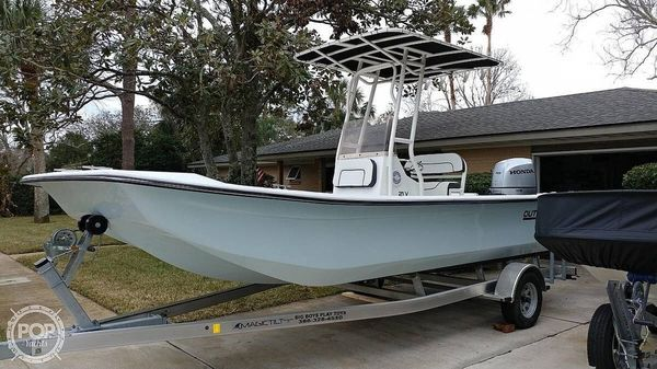 Used Outcast 21V Skiff Fishing Boat For Sale