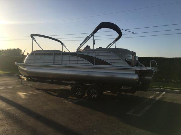 New Bennington 25 QSRFB Pontoon Boat For Sale