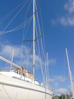 Used Beneteau 400 Sloop Sailboat For Sale