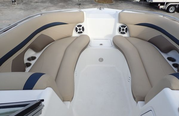 Used Hurricane SunDeck 2200 DC Deck Boat For Sale