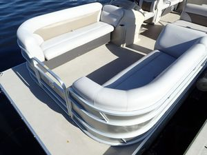 Used Sweetwater 2286 TT-25 Pontoon Boat For Sale