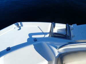 Used Hurricane SunDeck 2200 DC OB Deck Boat For Sale