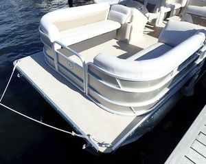 Used Sweetwater 2286 TT-25 Tritoon Pontoon Boat For Sale