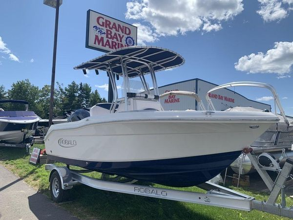 New Robalo R180 Bay Boat For Sale