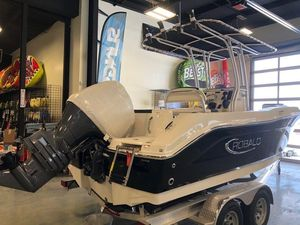 New Robalo R202EX Center Console Fishing Boat For Sale