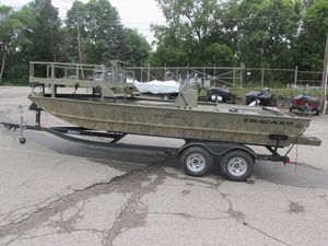 Used Tracker 2072CC Sportsman Freshwater Fishing Boat For Sale