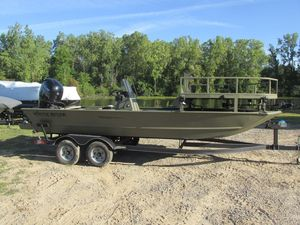 New Tracker Grizzly 2072 CC Sportsman Freshwater Fishing Boat For Sale