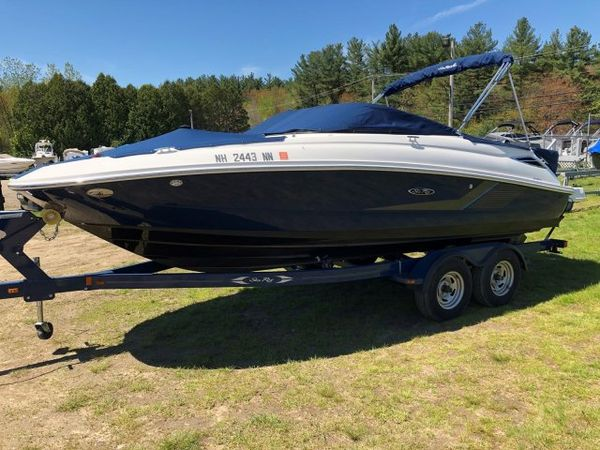 Used Sea Ray 220 Sundeck Sports Fishing Boat For Sale