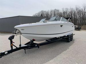 New Cobalt R7 Power Cruiser Boat For Sale