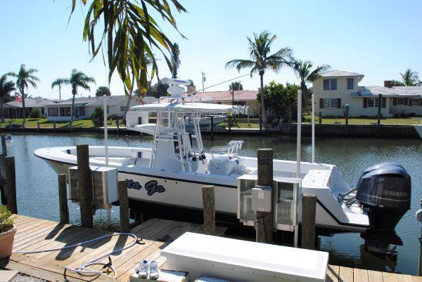 Used Contender 31 Center Console Sports Fishing Boat For Sale