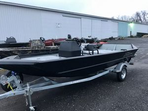 New Lowe Roughneck 1760 Pathfinder HEAVY DUTY EDITION .125 Gauge Hull Jon Boat For Sale