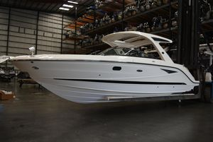 New Sea Ray SLX310 Bowrider Boat For Sale
