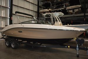 New Sea Ray SPX230 Bowrider Boat For Sale