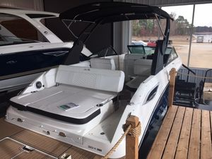 New Sea Ray SDX250 Deck Boat For Sale