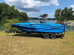 Used Supreme ZS232 Ski and Wakeboard Boat For Sale