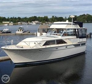 Used Pacemaker Tri cabin Aft Cabin Boat For Sale