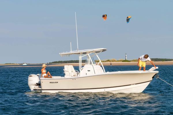 New Regulator 25 Freshwater Fishing Boat For Sale