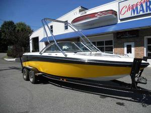 Used Ski Supreme V220 Ski and Wakeboard Boat For Sale