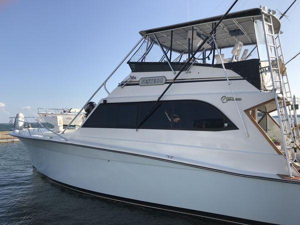 Used Egg Harbor 54 Convertible Flybridge Motor Yacht For Sale