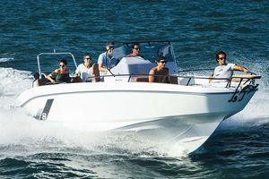 New Beneteau America Flyer 23 Spacedeck Cuddy Cabin Boat For Sale