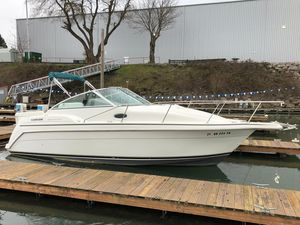Used Carver 260 Mid Cabin Express Cruiser Boat For Sale