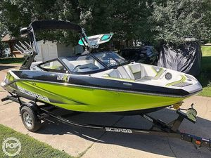 Used Scarab 195 Wake Edition Ski and Wakeboard Boat For Sale