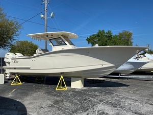 New Scout 305 LXF Center Console Fishing Boat For Sale