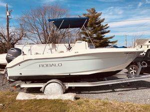 Used Robalo R180 Sports Fishing Boat For Sale