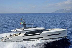 New Austin Parker AL 86 Fly Motor Yacht For Sale