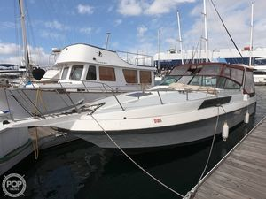 Used Century 330 Grande XL Express Cruiser Boat For Sale