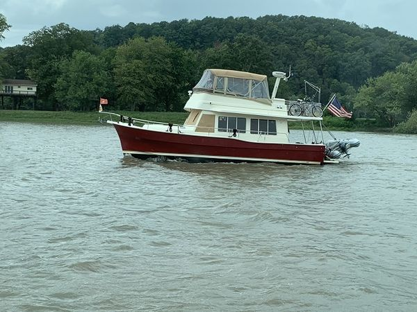 """Used Mainship """"40"""" Trawler Motor Yacht For Sale"""