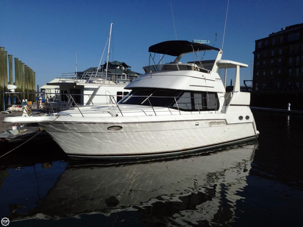Used Carver 356 Motor Yacht Aft Cabin Boat For Sale