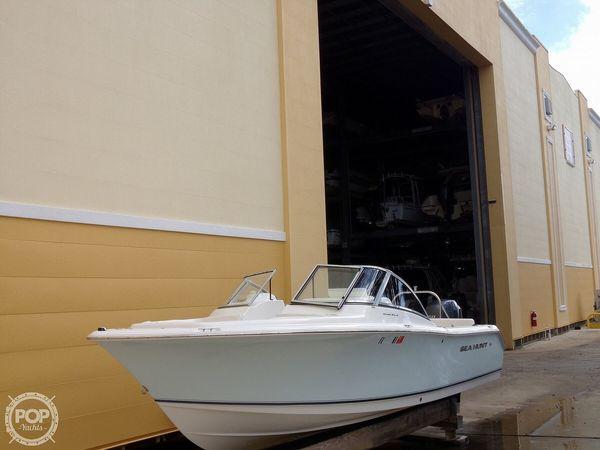 Used Sea Hunt Escape 211 LE Bowrider Boat For Sale